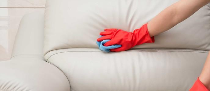 tekniker för att rengöra soffa